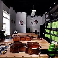Nederland, Amsterdam , 24 november 2014.<br /> 1 van de instrumenten depots in de Batjanstraat in Amsterdam Oost.<br /> Foto:Jean-Pierre Jans