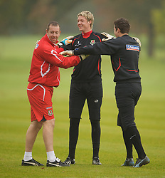CARDIFF, WALES - Monday, October 13, 2008: Wales' goalkeepers Wayne Hennessey, Lewis Price and coach Paul Jones during training at the Vale of Glamorgan Hotel ahead of the 2010 FIFA World Cup South Africa Qualifying Group 4 match against Germany. (Photo by David Rawcliffe/Propaganda)
