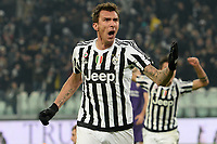 esultanza gol Mario Mandzukic Juventus Goal celebration <br /> Torino 13-12-2015, Juventus Stadium, Football Calcio 2015/2016 Serie A, Juventus - Fiorentina, Foto Image Sport/Insidefoto