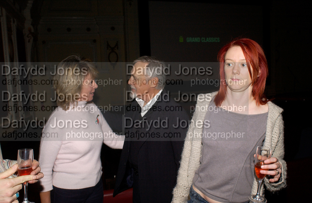 Sabrina Guinness, Dennis Hopper and Cerise Hallam Larkin, Grand Classics Screening of 'Out of the Blue' hosted by Dennis Hopper. Electric cinema, Portobello Rd. London. 15 November 2004. ONE TIME USE ONLY - DO NOT ARCHIVE  © Copyright Photograph by Dafydd Jones 66 Stockwell Park Rd. London SW9 0DA Tel 020 7733 0108 www.dafjones.com