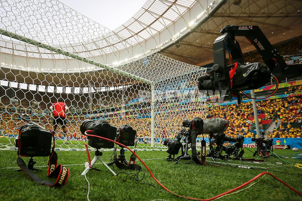 Câmeras Remotas na partida entre Brasil x Camarões, válida pela fase de grupos da Copa do Mundo 2014, no Estádio Mané Garrincha, em Brasíia. FOTO: Jefferson Bernardes/ Agência Preview