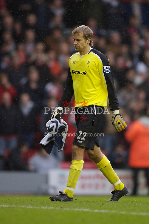 Liverpool, England - Monday, January 1, 2007: Bolton Wanderers' goalkeeper Jussi Jaaskelainen looks dejected after losing 3-0 to Liverpool during the Premiership match at Anfield. (Pic by David Rawcliffe/Propaganda)