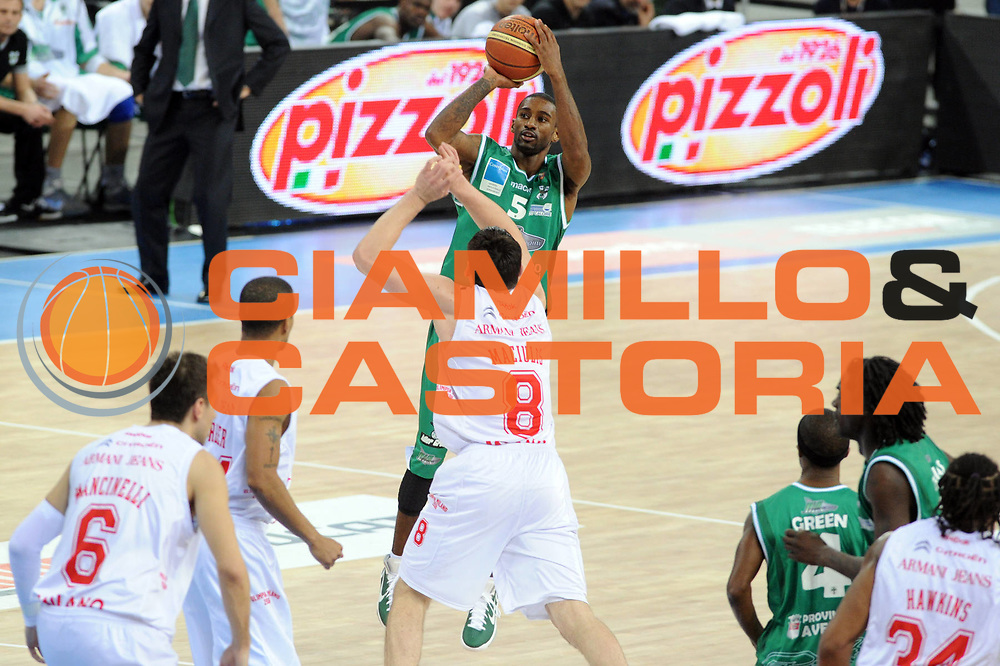 DESCRIZIONE : Torino Coppa Italia Final Eight 2011 Quarti di Finale Armani Jeans Milano Air Avellino<br /> GIOCATORE : Taquan Dean<br /> SQUADRA : Air Avellino<br /> EVENTO : Agos Ducato Basket Coppa Italia Final Eight 2011<br /> GARA : Armani Jeans Milano Air Avellino<br /> DATA : 11/02/2011<br /> CATEGORIA : tiro<br /> SPORT : Pallacanestro<br /> AUTORE : Agenzia Ciamillo-Castoria/GiulioCiamillo<br /> Galleria : Final Eight Coppa Italia 2011<br /> Fotonotizia : Torino Coppa Italia Final Eight 2011 Quarti di Finale Armani Jeans Milano Air Avellino<br /> Predefinita :