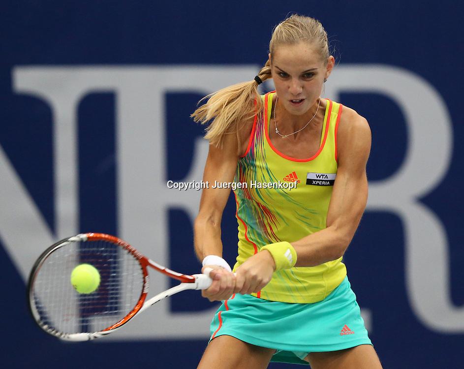 Generali Ladies Linz  2012,WTA Tour, Damen.Hallen Tennis Turnier in Linz, Oesterreich,.Arantxa Rus (NED), Aktion,Einzelbild,Halbkoerper,Querformat,