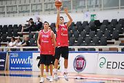 DESCRIZIONE : Trento Primo Trentino Basket Cup Nazionale Italia Maschile <br /> GIOCATORE : Andrea Cinciarini<br /> CATEGORIA : allenamento<br /> SQUADRA : Nazionale Italia <br /> EVENTO :  Trento Primo Trentino Basket Cup<br /> GARA : Allenamento<br /> DATA : 26/07/2012 <br /> SPORT : Pallacanestro<br /> AUTORE : Agenzia Ciamillo-Castoria/C.De Massis<br /> Galleria : FIP Nazionali 2012<br /> Fotonotizia : Trento Primo Trentino Basket Cup Nazionale Italia Maschile<br /> Predefinita :