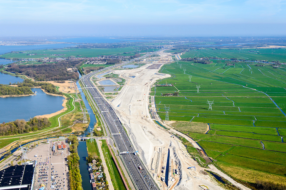 Nederland, Noord-Holland, Muiden, 20-04-2015; weguitbreiding Schiphol - Amsterdam - Almere (SAA), verbreding A1.<br /> Widening of the motorway A1 Schiphol - Amsterdam - Almere (SAA).<br /> luchtfoto (toeslag op standard tarieven);<br /> aerial photo (additional fee required);<br /> copyright foto/photo Siebe Swart