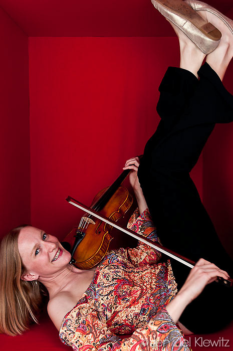 Portrait of Kirsten Bersch, violinist for Rumbankete, a Los Angeles, California-based salsa orchestra, taken in Woodland Hills, Calif., on April 3, 2010, for the band's promotional use and album cover.  Photo by Jen Klewitz.  (Jen Klewitz © 2010)