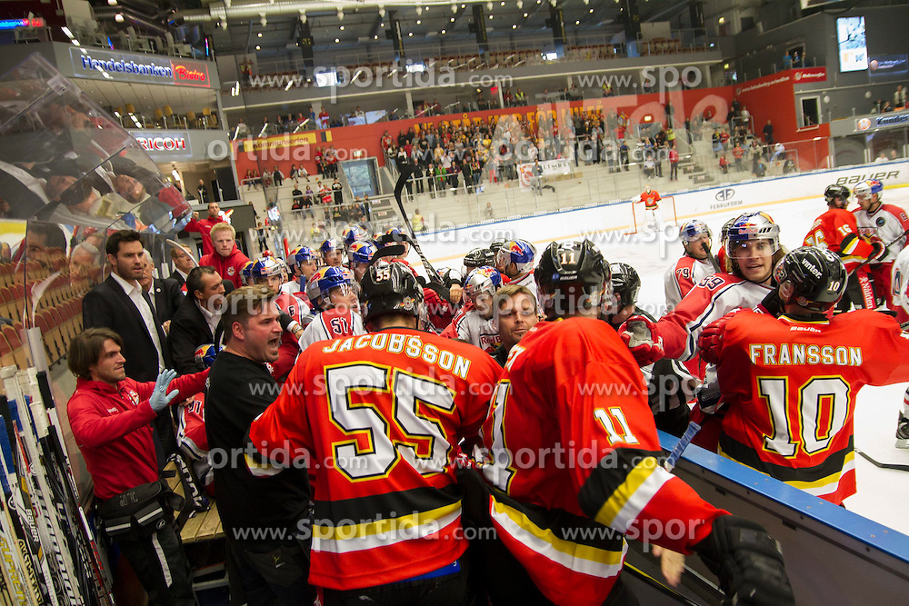 19.08.2012, Coop Arena, Lulea, SWE, European Trophy, Lulea Hockey vs EC RED BULL Salzburg, im Bild slagsmal brak fight fajt gruff i salzburgs bas Lulea 55 Robin Jacobsson Lulea 10 Johan Fransson Pavel Skrbek, // during the European Trophy Icehockey match betweeen Lulea Hockey and EC RED BULL Salzburg at the Coop Arena, Lulea, Sweden on 2012/08/19. EXPA Pictures © 2012, PhotoCredit: EXPA/ PicAgency Skycam/ Fredrik Sundvall..***** ATTENTION - OUT OF SWE *****