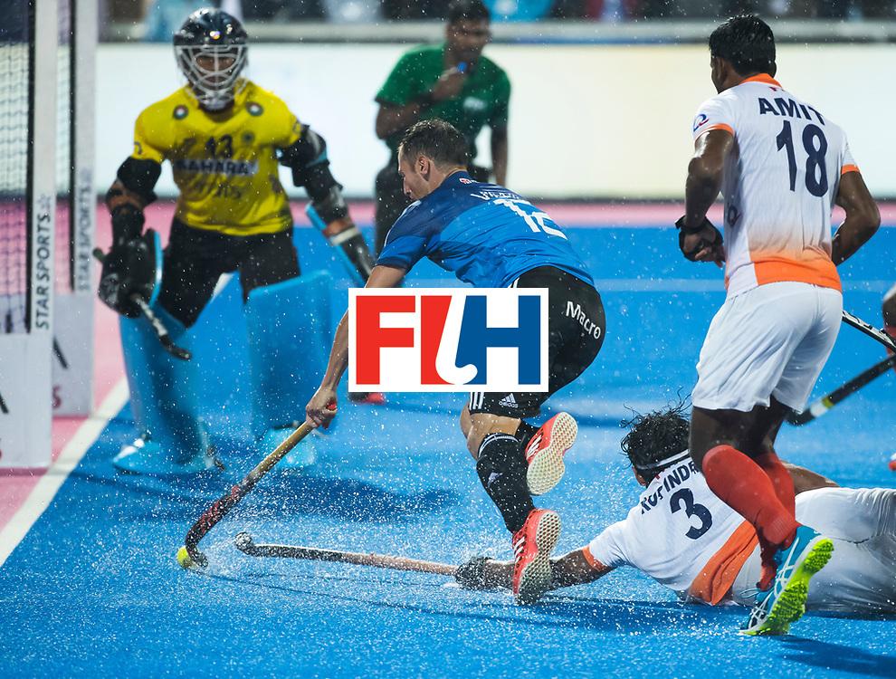 BHUBANESWAR -  Hockey World League finals , Semi Final . Argentina v India. Lucas Vila (Arg) met Varun Kumar (Ind) .COPYRIGHT KOEN SUYK