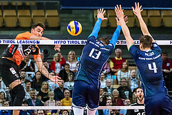 17.04.2019, Olympiahalle Innsbruck, Innsbruck, AUT, VBL, Deutsche Volleyball Bundesliga, HYPO Tirol Alpenvolleys Haching vs Berlin Recycling Volleys, Halbfinale, 3. Spiel, im Bild v.l.: Benjamin Patch (Berlin), Pawel Halaba (Tirol), Matthew Pollock (Tirol) // during the German Volleyball Bundesliga (VBL) 3rd semifinal match between HYPO Tirol Alpenvolleys Haching and Berlin Recycling Volleys at the Olympiahalle Innsbruck in Innsbruck, Austria on 2019/04/17. EXPA Pictures © 2019, PhotoCredit: EXPA/ JFK