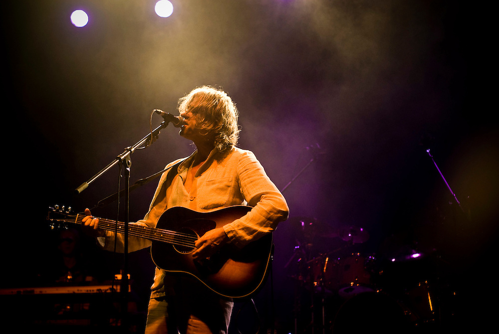 Irish singer Bob Geldof performs at the Irish Village, Dubai as part of its St. Patrick's Day celebrations on March 14, 2008.