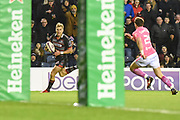 Jaco van der Walt runs home a try during the European Rugby Challenge Cup match between Edinburgh Rugby and Stade Francais at Murrayfield Stadium, Edinburgh, Scotland on 12 January 2018. Photo by Kevin Murray.
