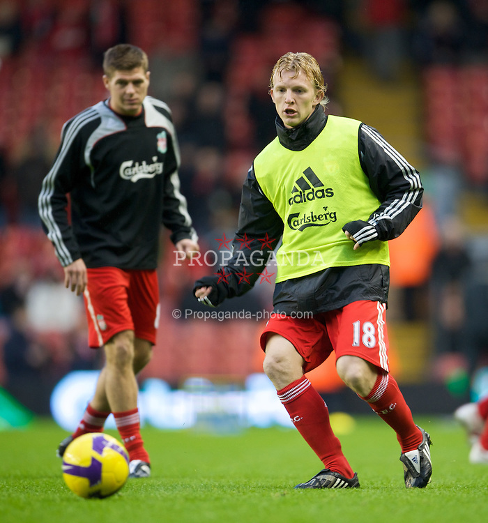 LIVERPOOL, ENGLAND - Saturday, December 13, 2008: Liverpool's Dirk Kuyt warms-up before the Premiership match against Hull City at Anfield. (Photo by David Rawcliffe/Propaganda)