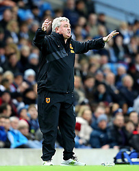 Hull City Manager Steve Bruce gestures to his players - Mandatory byline: Matt McNulty/JMP - 01/12/2015 - Football - Etihad Stadium - Manchester, England - Manchester City v Hull City - Capital One Cup - Quarter-final
