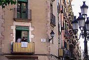 Spanje, Barcelona, 5-6-2005..Rambla del Born in het oude centrum. toerisme, economie, vakantie, stedentrip, stadsgezicht. wonen, woning, woningnood, stadsvernieuwing...Foto: Flip Franssen