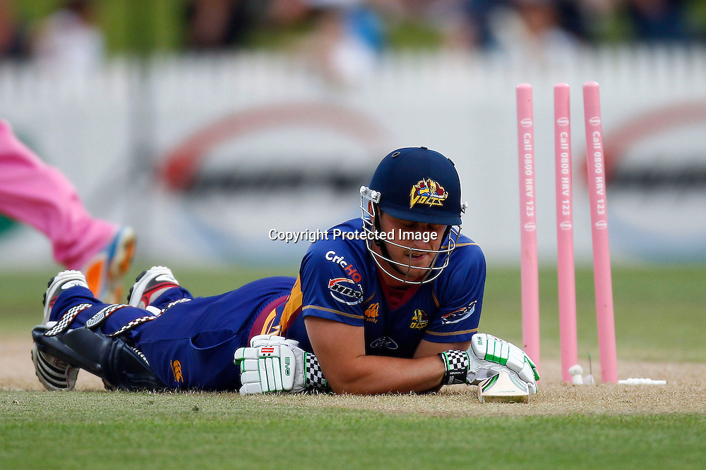 A dejected Hamish Rutherford after getting runout during the HRV Cup match between the Northern Knights v Otago Volts. Men's domestic Twenty20 cricket. Seddon Park, Hamilton, New Zealand. Thursday 19 January 2012. Ella Brockelsby / photosport.co.nz