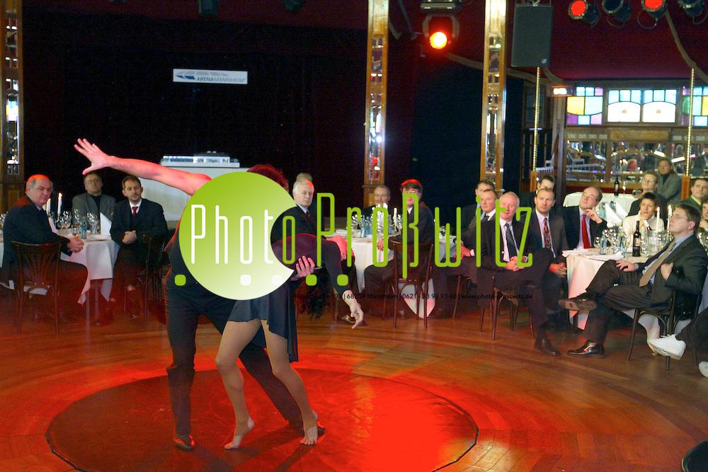 Mannheim.  Spatenstich. B&ouml;sfeld. Arena - Im Spiegelzelt Palazzo<br /><br />Bild: Pro&szlig;witz
