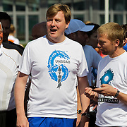 NLD/Amsterdam/20100418 - Run For Water: Live Earth 2010, Pauline de Wilde, prins Willem - Alexander en Anthonie Kamerling