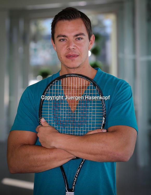 """Aleksandar """"Sascha"""" Bajin, Trainingspartner von Serena Williams, Halbkoerper,Hochformat,Portrait,"""