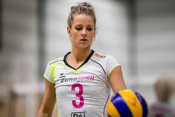 18-11-2017 NED: Beker PDK Huizen - Eurosped TVT, Huizen<br /> Huizen verliest uiteindelijk in aantrekkelijk duel met 3-2 van Eurosped / Judith Kamphuis #3 of Eurosped