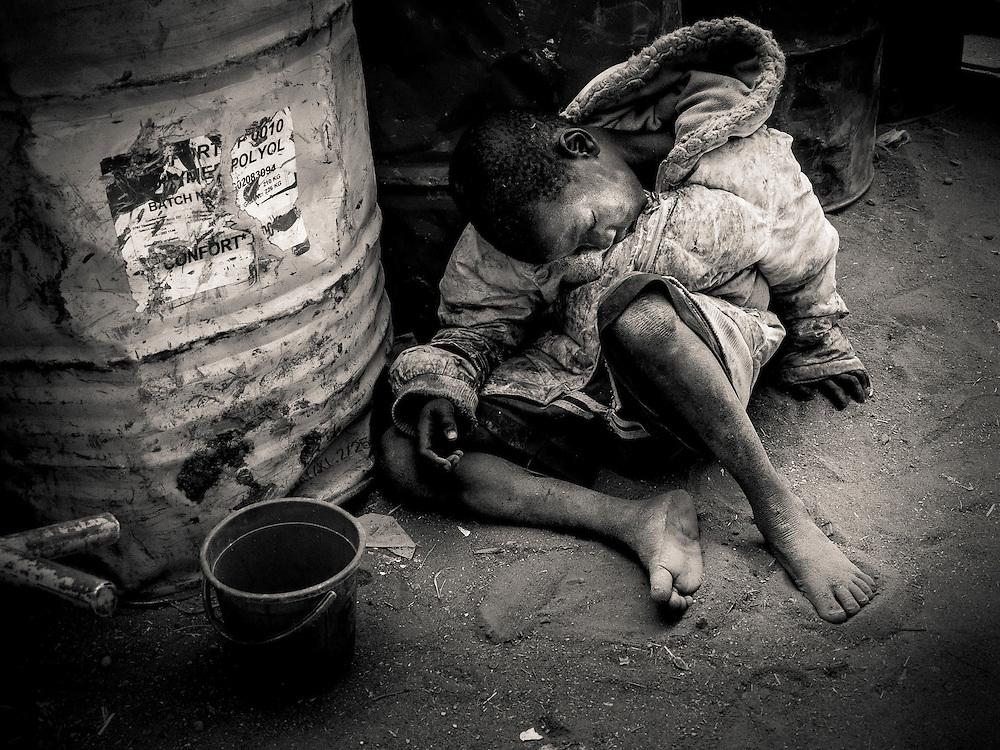 West, Africa, Mali,Peul near Djenné, kid sleeping