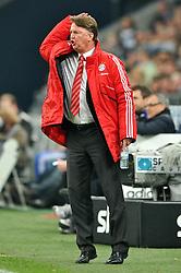 03-04-2010 VOETBAL: SCHALKE 04 - BAYERN MUNCHEN: GELSENKIRCHEN<br /> Muenchen wint met 2-1 van Schalke / Louis van Gaal  <br /> ©2010- FRH nph / Conny Kurth