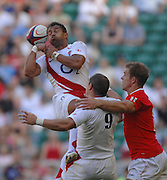 Twickenham, GREAT BRITAIN, Jason ROBINSON, fumbles the high ball,   during the Investic Rugby match between, England and Wales, at Twickenham Rugby  Ground, England Sat. 04.07.2007  [Mandatory Credit, Peter Spurrier/Intersport-images].....