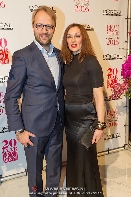 NLD/Amsterdam/20160118 -  Beau Monde Awards 2016, myrianna van Reeden en ......