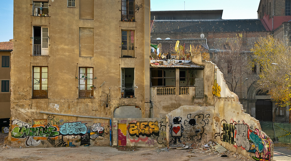 Condemned squat on Calle Valldoncella, Barcelona 2005