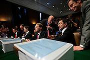 Senatshøring av hva som gikk galt med Goldman Sachs. Goldman Sachs har sendt surrogater. Det er ikke toppsjefene som sitter i stolene.