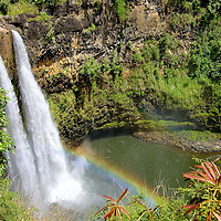 Wailua Falls with Rainbow near Līhu&rsquo;e on Kaua&rsquo;i, Hawaii<br />