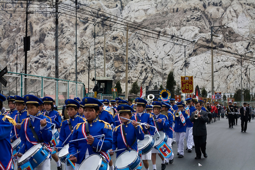 A band plays during a parade in La Oroya