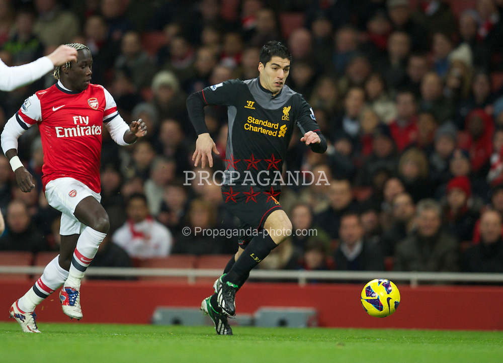 LONDON, ENGLAND - Wednesday, January 30, 2013: Liverpool's Luis Alberto Suarez Diaz in action against Arsenal during the Premiership match at the Emirates Stadium. (Pic by David Rawcliffe/Propaganda)