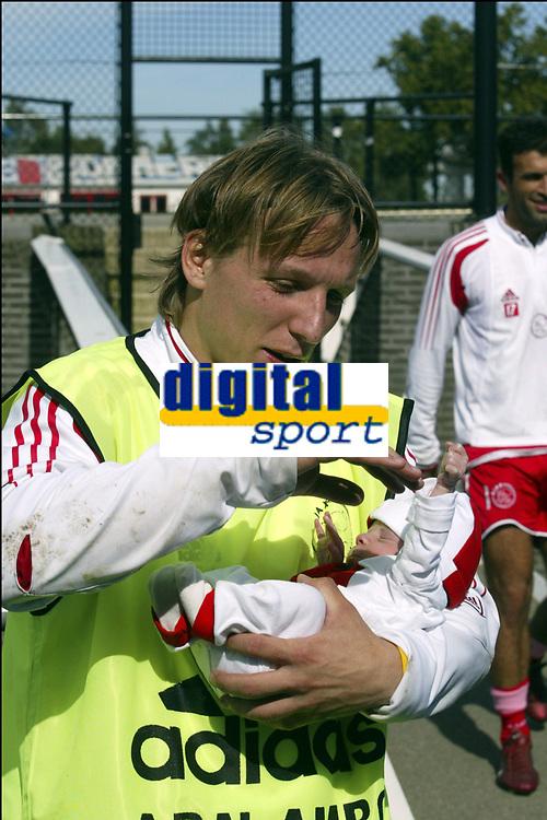 Fotball<br /> Trening Ajax<br /> Amsterdam<br /> 9. september 2004<br /> Foto: Digitalsport<br /> NORWAY ONLY<br /> WESLEY SONCK