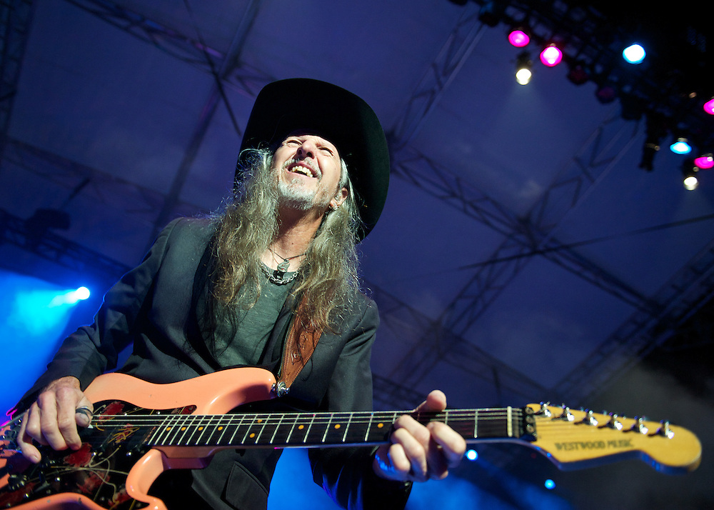 Patrick Simmons of the Doobie Bros performs at Tulalip Amphitheater. Photo by John Lill