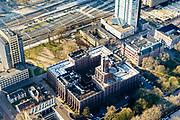 Nederland, Utrecht, Utrecht, 07-02-2018; Utrecht Centraal Station, Stationsgebied, Moreelsepark: De Inktpot (hoofdgebouw III), hoofdkantoor ProRail.<br /> Station area, Moreelsepark: The Inkwell (main building III), head office ProRail.<br /> <br /> luchtfoto (toeslag op standard tarieven);<br /> aerial photo (additional fee required);<br /> copyright foto/photo Siebe Swart