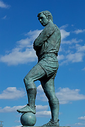 LONDON, ENGLAND - Saturday, August 6, 2016: The Bobby Moore statue outside Wembley Stadium before the International Champions Cup match between Liverpool and FC Barcelona. (Pic by David Rawcliffe/Propaganda)