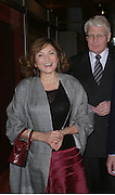 DORIT MOUSAIEFF and the President of Iceland OLAFUR RAGNAR GRIMSSON. Private view of Castellani and Italian Archaeological Jewellery. Gilbert Collection, Somerset House. 4 May 2005. ONE TIME USE ONLY - DO NOT ARCHIVE  © Copyright Photograph by Dafydd Jones 66 Stockwell Park Rd. London SW9 0DA Tel 020 7733 0108 www.dafjones.com