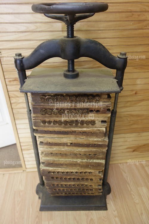 Habano's Smoke Shop Cigar Mold Press in use. Ft Myers FL 6 March 2015