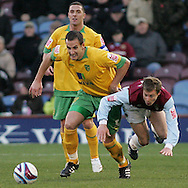 Burnley - Saturday November 1st, 2008: Wade Elliott of Burnley and John Kennedy of Norwich City during the Coca Cola Championship match at Burnley. (Pic by Michael Sedgwick/Focus Images)