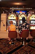 US-20050906-LAS VEGAS: Gamblers at the Luxor hotel..PHOTO: GERRIT DE HEUS