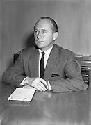 28/08/57<br /> 08/28/1957<br /> 28 August 1957<br /> <br /> Donal Scully at CTT Offices