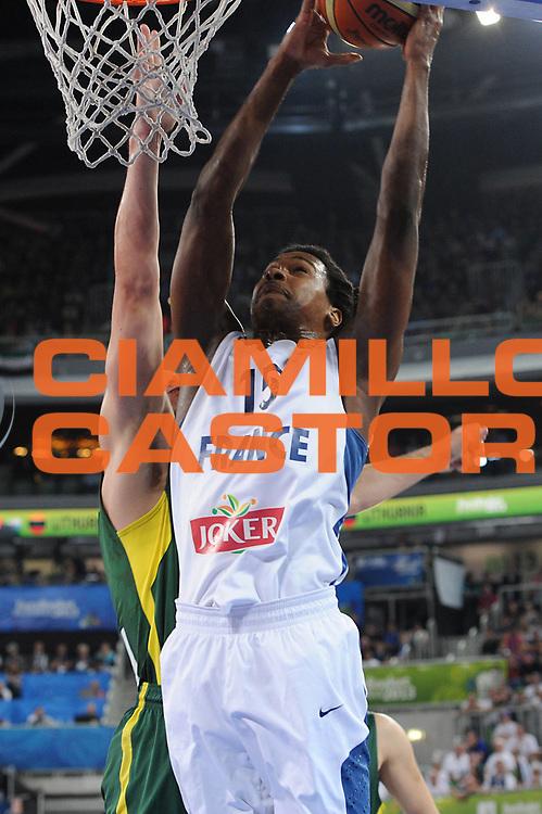 DESCRIZIONE : Lubiana Ljubliana Slovenia Eurobasket Men 2013 Finale Final Francia France Lituania Lithuania<br /> GIOCATORE : Mickael Gelabale<br /> CATEGORIA : tiro shot<br /> SQUADRA : Francia France<br /> EVENTO : Eurobasket Men 2013<br /> GARA : Francia France Lituania Lithuania<br /> DATA : 22/09/2013 <br /> SPORT : Pallacanestro <br /> AUTORE : Agenzia Ciamillo-Castoria/C.De Massis<br /> Galleria : Eurobasket Men 2013<br /> Fotonotizia : Lubiana Ljubliana Slovenia Eurobasket Men 2013 Finale Final Francia France Lituania Lithuania<br /> Predefinita :