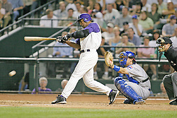 Phoenix, AZ-04-28-04 Arizona Diamondbacks Short Stop Danny Bautista had another base hit to extend his streak to 20 games in a 4-3 loss to the Chicago Cubs. Ross Mason photo