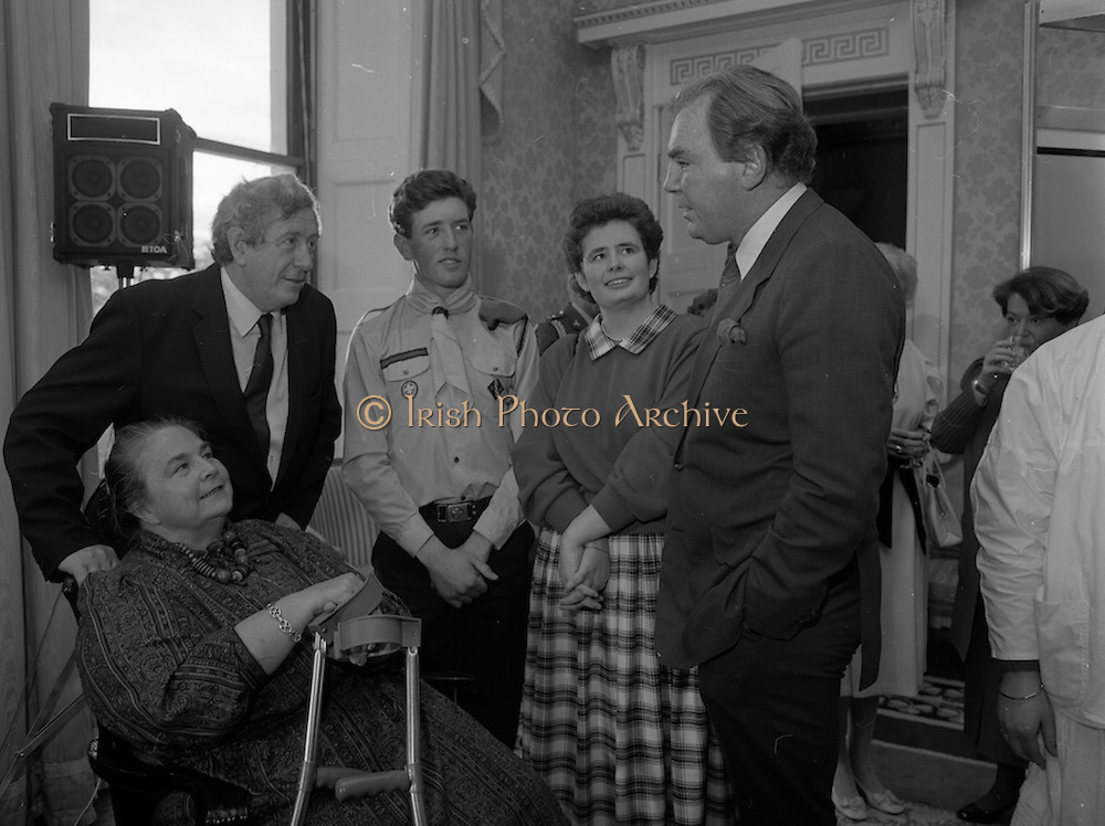 28/10/1985<br /> 10/28/1985<br /> 28 October 1985<br /> Launch of Gaisce The Presidents Award at Aras an Uachtarain. President Dr. Patrick Hillery launched the new national youth award scheme to be the nations highest award to Irish young people aged 15-25. Picture shows (l-r): Taoiseach Dr. Garret FitzGerald, T.D.; Joan FitzGerald; David Bregazzi, participant in the Award scheme; Catriona McSkeane, participant in the Award scheme and Dr. A.F.J. O'Reilly.