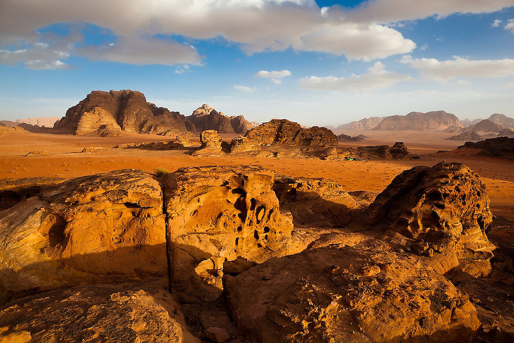 A (tourist) Bedouin camp set amongst intricately eroded sandstone formations in Wadi Rum, Jordan.