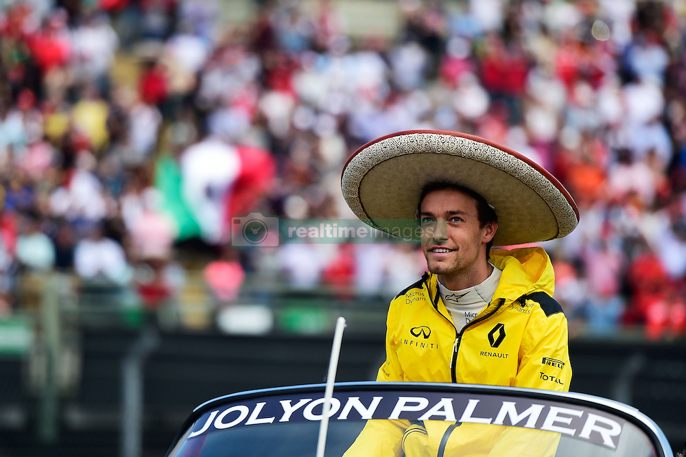 Formel 1: GP von Mexiko 2016 - Rennen in Mexiko-Stadt / 301016<br /> <br /> ***Jolyon Palmer (GBR) Renault Sport F1 Team on the drivers parade.<br /> 30.10.2016. Formula 1 World Championship, Rd 19, Mexican Grand Prix, Mexico City, Mexico, Race Day.<br />  Copyright: Price / XPB Images / action press ***