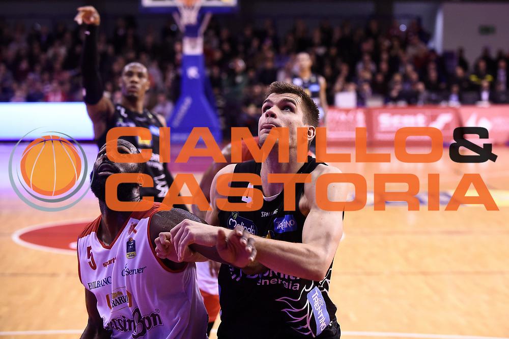 Wright Julian Silins Ojars <br /> Grissin Bon Reggio Emilia - Dolomiti Energia Trentino<br /> Lega Basket Serie A 2017/2018<br /> Reggio Emilia, 03/03/2018<br /> Foto A.Giberti / Ciamillo - Castoria