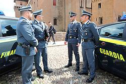 GUARDIA DI FINANZAGUARDIA DI FINANZA IN PIAZZA CASTELLO<br /> GUARDIA DI FINANZA