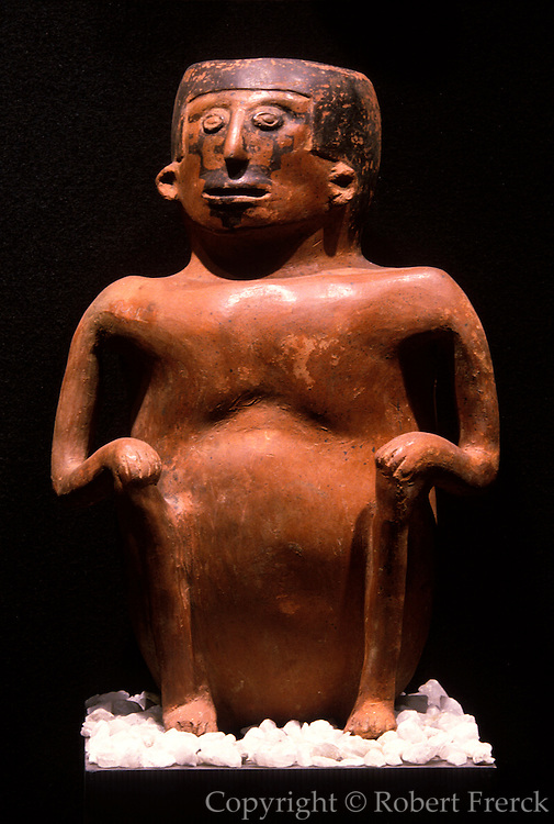 ECUADOR, PREHISPANIC Inca Culture: ceramic shaman figure